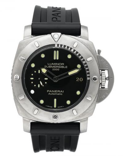 Panerai  - Luminor Submersible - PAM00364